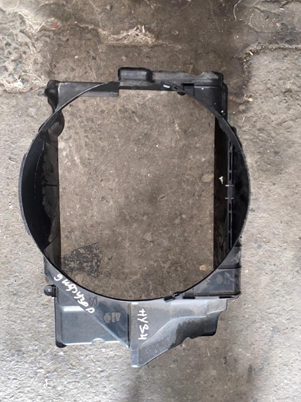 Диффузор радиатора Nissan Gloria HY34 VQ30DET 2002 передний