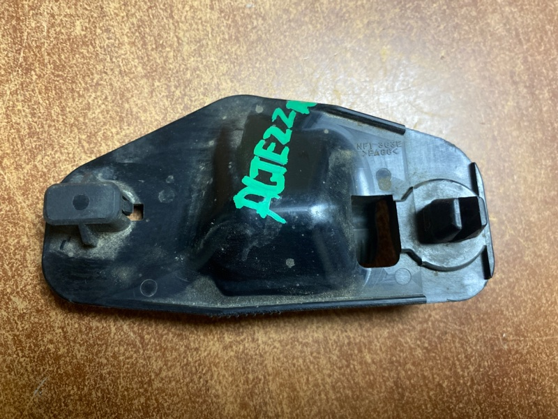 Крепление капотной палки Toyota Altezza GXE10