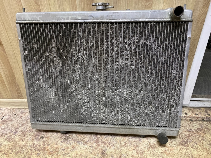 Радиатор основной Nissan Laurel HC35 RB20