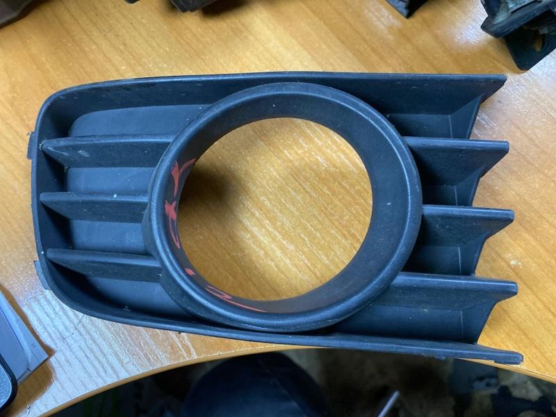 Ободок туманки Nissan Primera TP12 передний правый