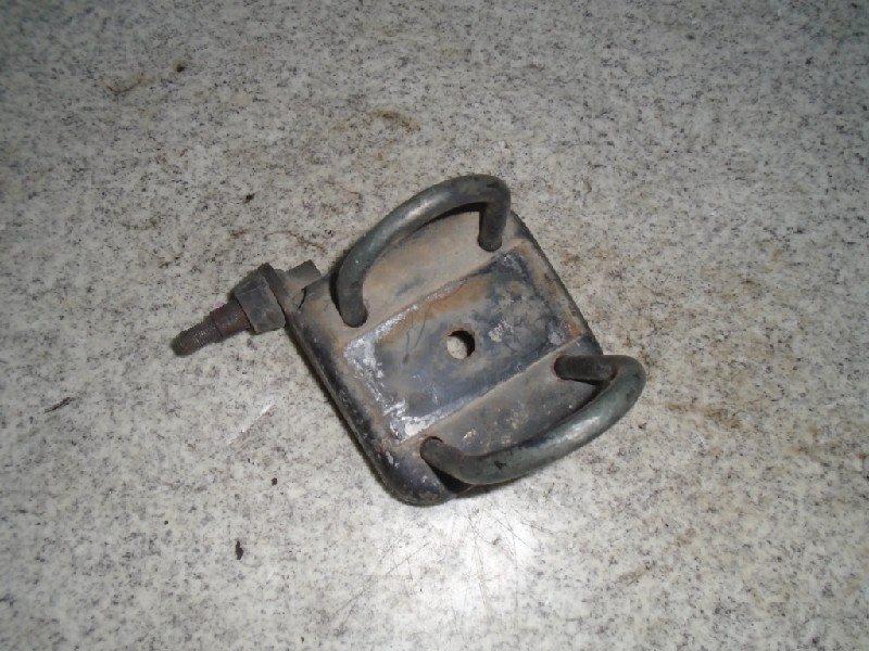 Стремянка рессоры Nissan Vanette C22 CA20S задняя правая #581551
