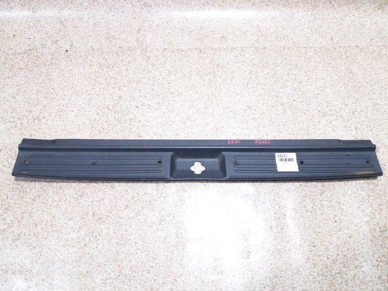 Накладка замка багажника Nissan Terrano R50 QD32ETI