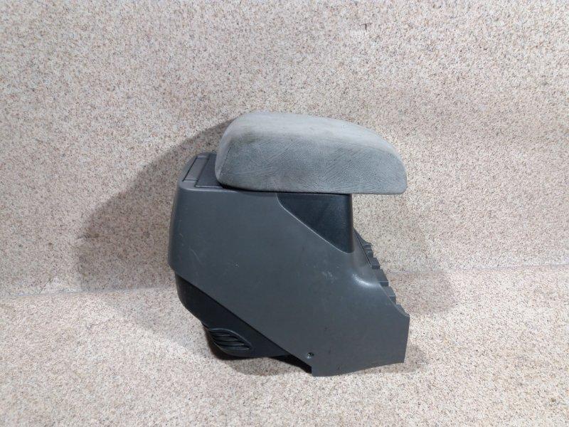 Бардачок между сиденьями Mitsubishi Pajero V75W 6G74 2000