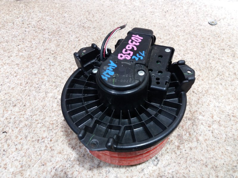 Мотор печки Toyota Auris NZE151
