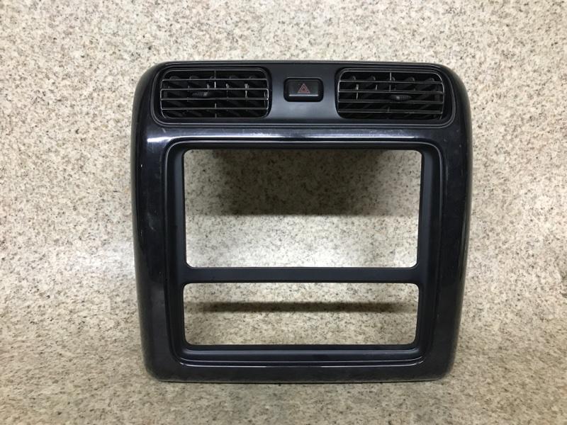 Консоль магнитофона Toyota Grand Hiace VCH10