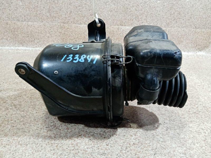 Корпус воздушного фильтра Mitsubishi Libero CD8V 4D68