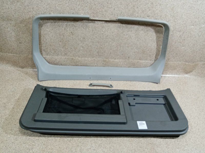Обшивка дверей Mitsubishi Pajero V63W