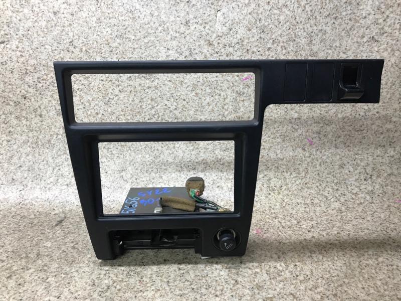 Консоль магнитофона Toyota Camry SV22