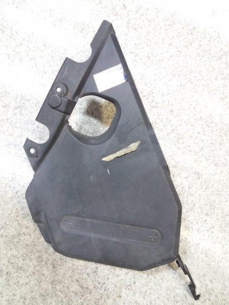 Пластиковая крышка на двс Subaru Legacy BL5