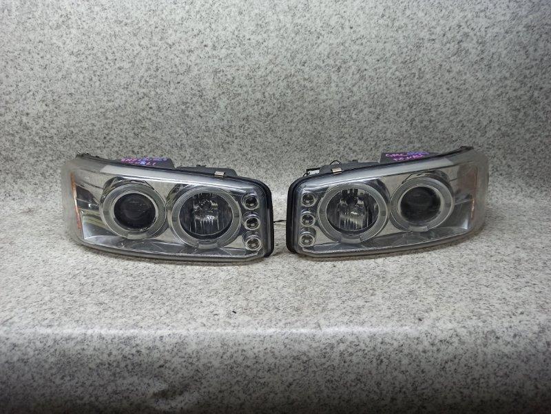 Фара Gmc Yukon GMT820 2002 передняя