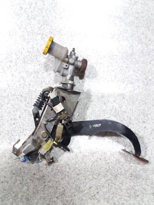 Педаль сцепления Subaru Legacy BL5