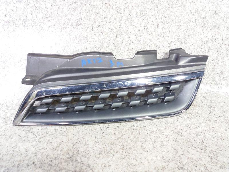 Решетка радиатора Nissan March K12 передняя левая