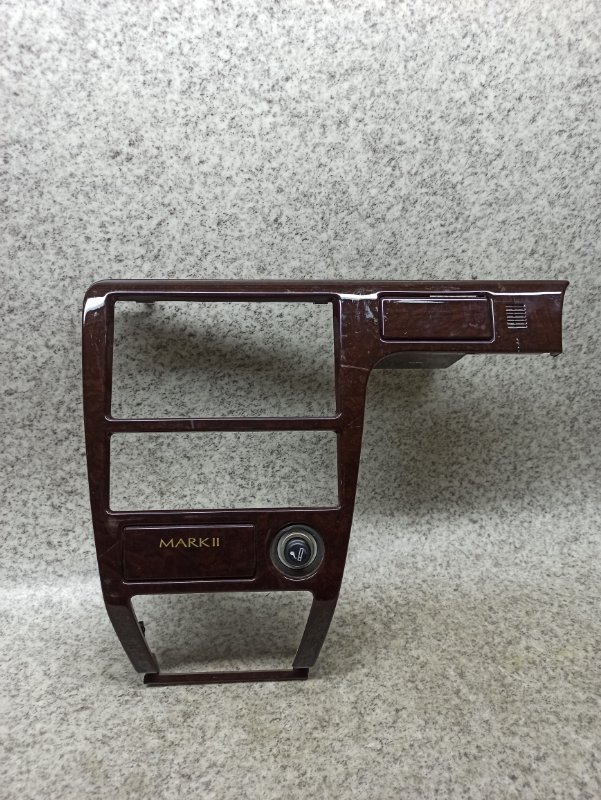Консоль магнитофона Toyota Mark Ii GX100