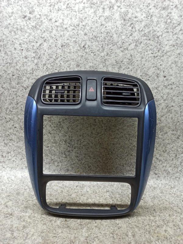 Консоль магнитофона Mazda Demio DW3W