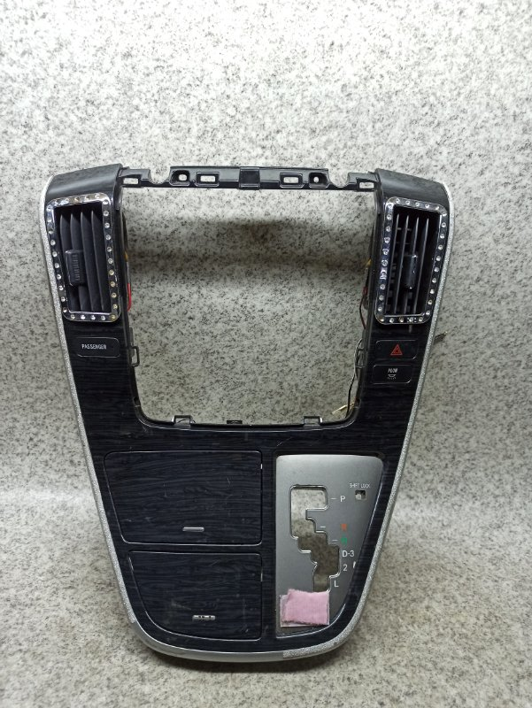Консоль магнитофона Toyota Alphard ANH10