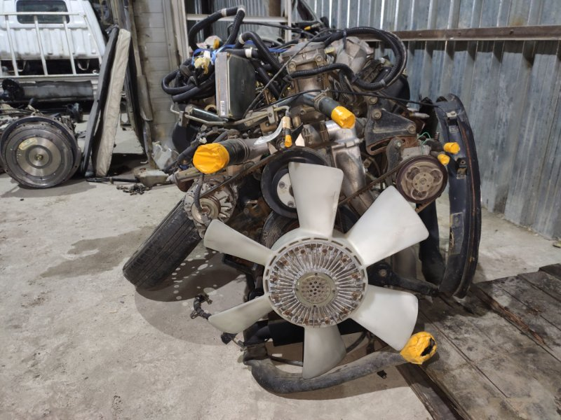 Двигатель Isuzu Giga CVR80F1 8PE1