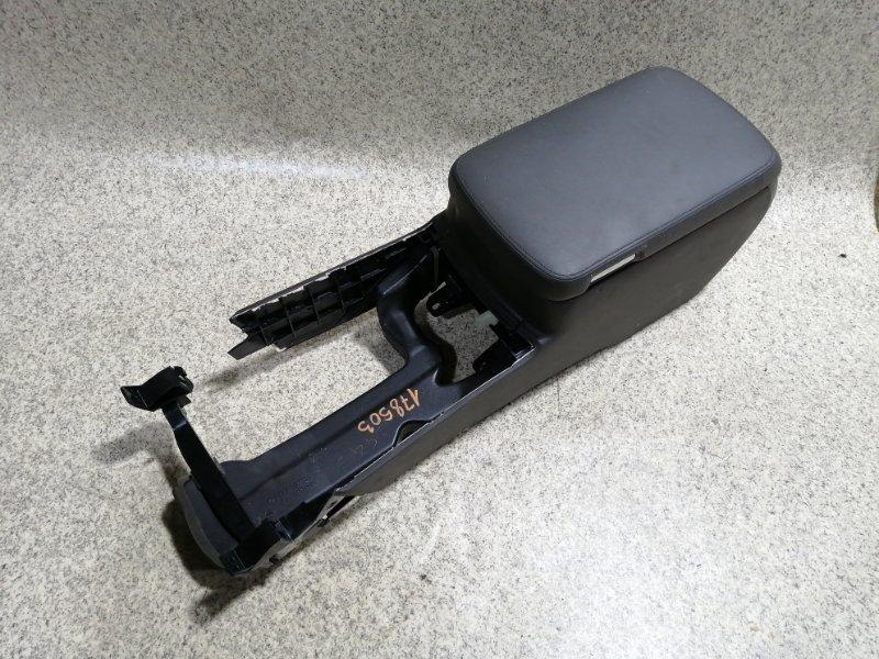 Бардачок между сиденьями Toyota Crown GRS200