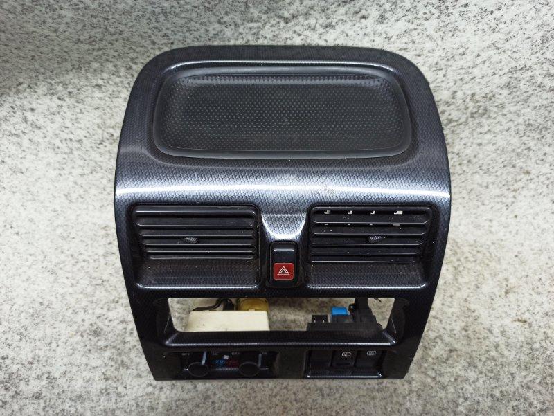 Консоль магнитофона Mazda Mpv LVLR