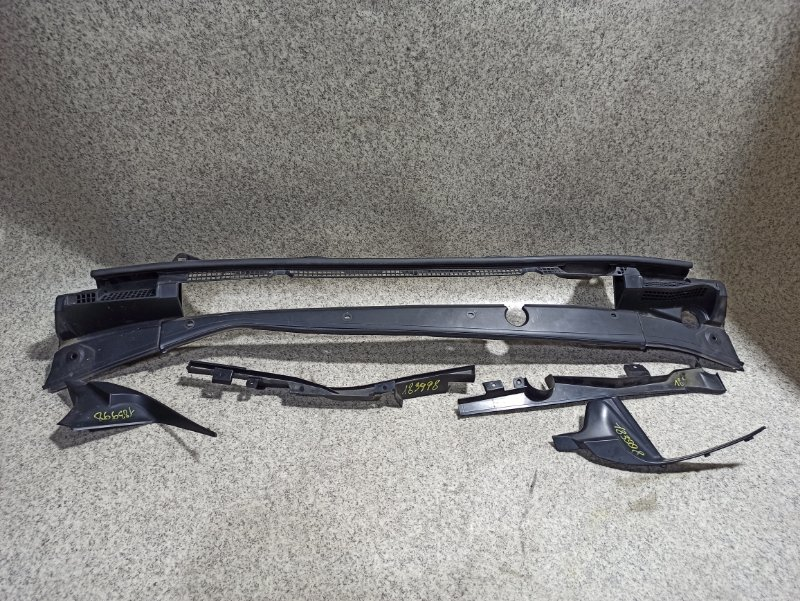 Планка под дворники Subaru Impreza GK6