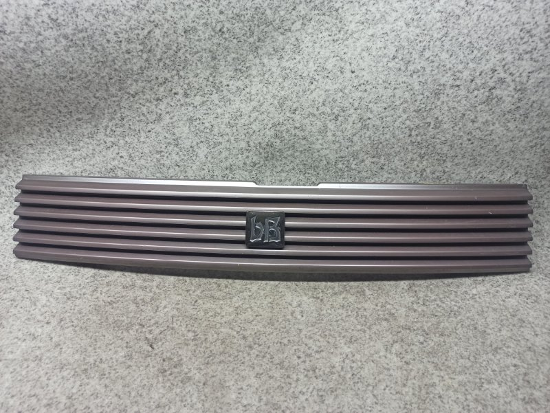 Решетка радиатора Toyota Bb NCP30 передняя
