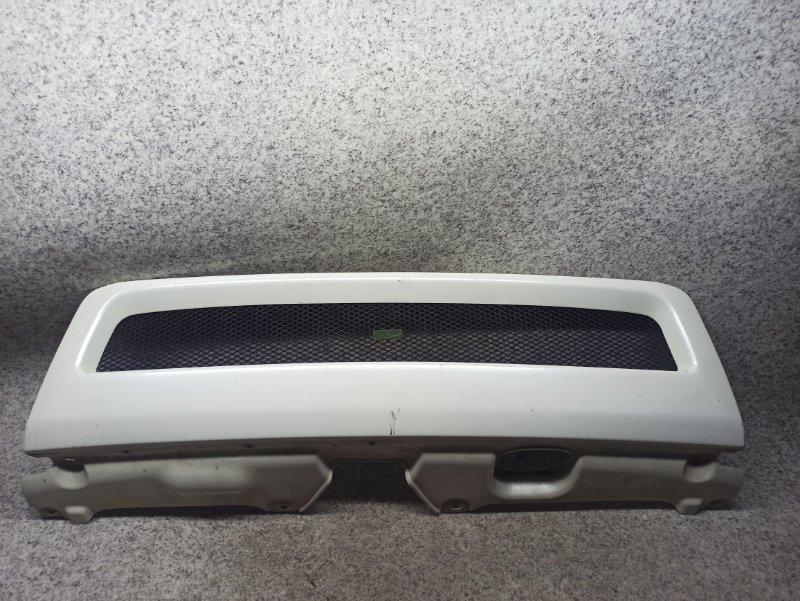 Решетка радиатора Honda Stepwgn RF3 передняя