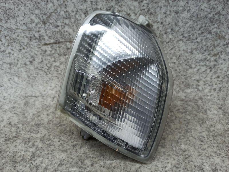Габарит Toyota Starlet EP91 передний правый