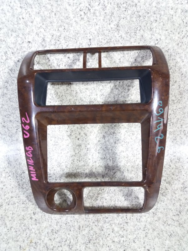 Консоль магнитофона Mitsubishi Minicab U61V #891426