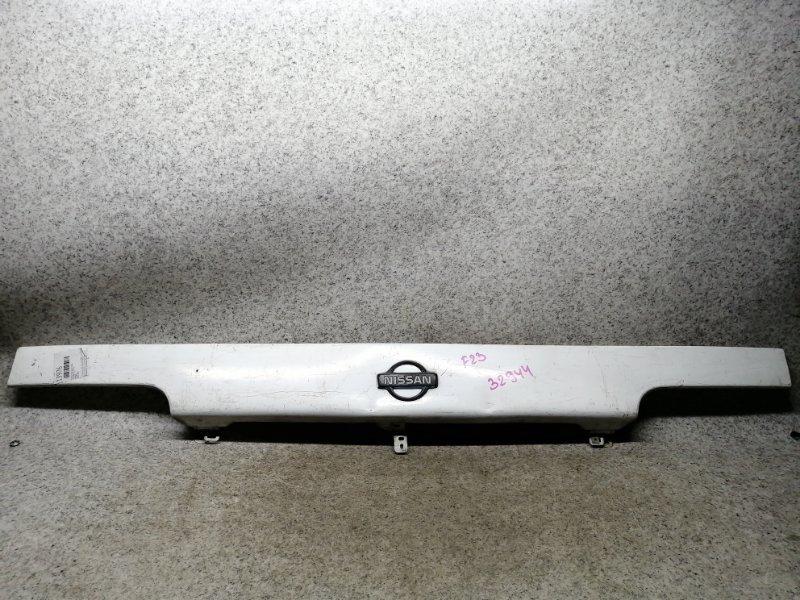Планка под фары Nissan Atlas F23 TD27 передняя #59596