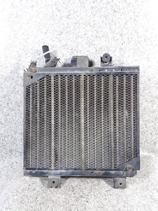 Радиатор кондиционера Nissan Caravan E24 TD27 #33732