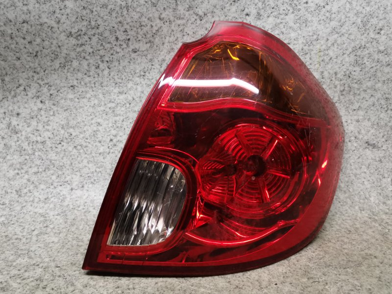 Стоп-сигнал Mazda Verisa DC5W задний правый