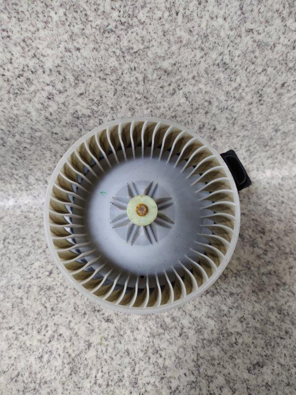 Мотор печки Mazda Mpv LY3P задний