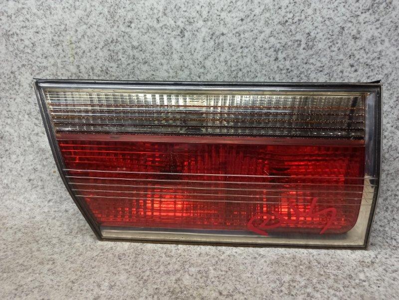 Вставка между стопов Toyota Crown GS171 задняя левая