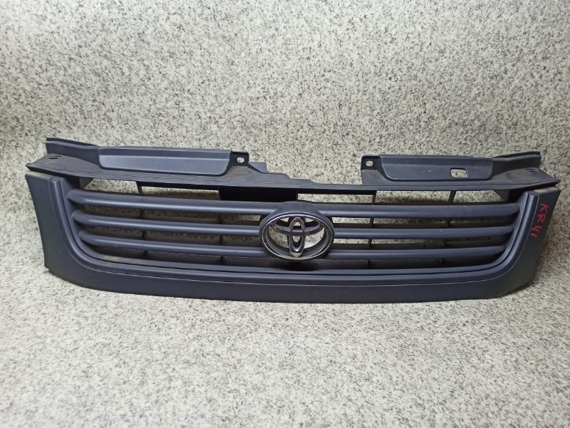 Решетка радиатора Toyota Lite Ace KR41