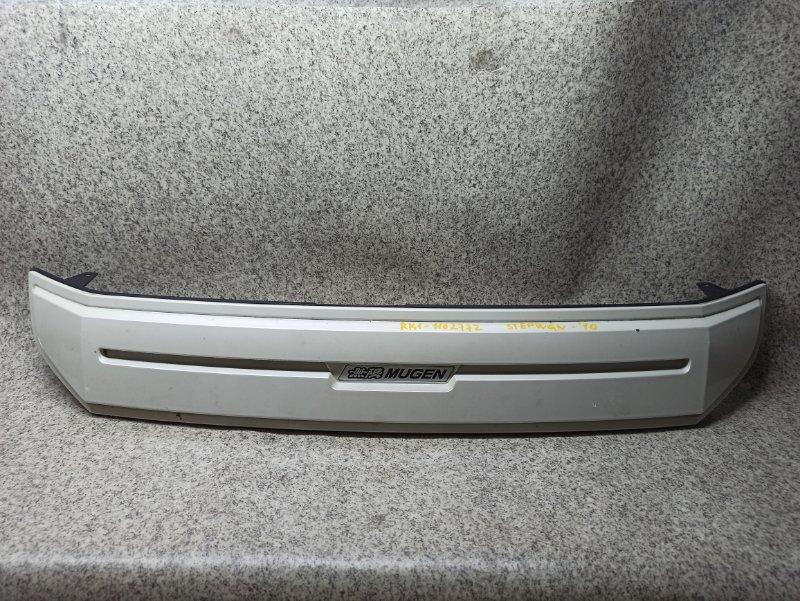 Решетка радиатора Honda Stepwgn RK1 2010