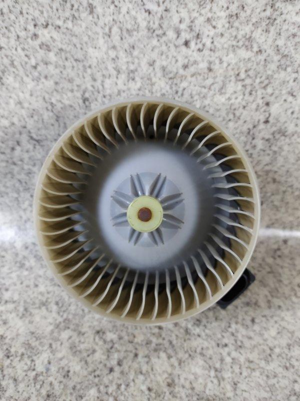 Мотор печки Toyota Vitz SCP90