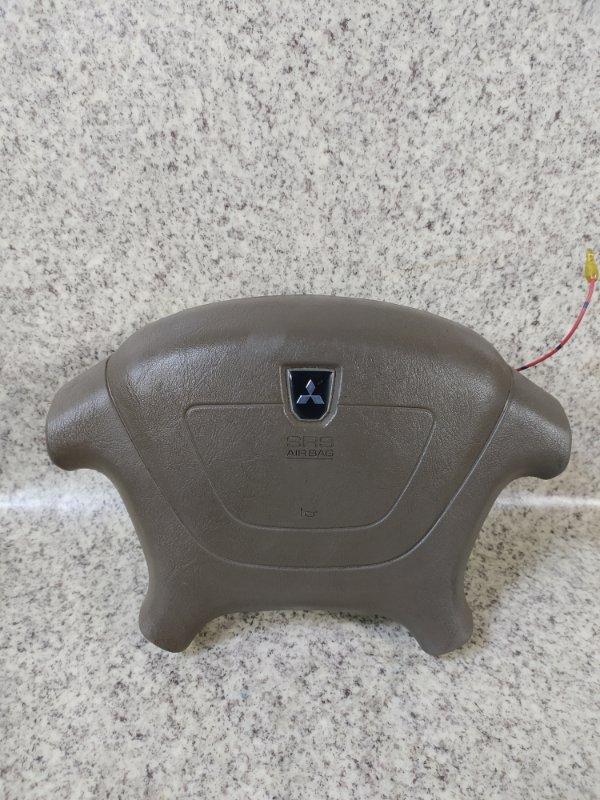 Airbag водителя Mitsubishi Chariot Grandis N84W