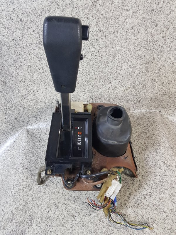 Селектор акпп Isuzu Bighorn UBS69GW 4JG2T 1994