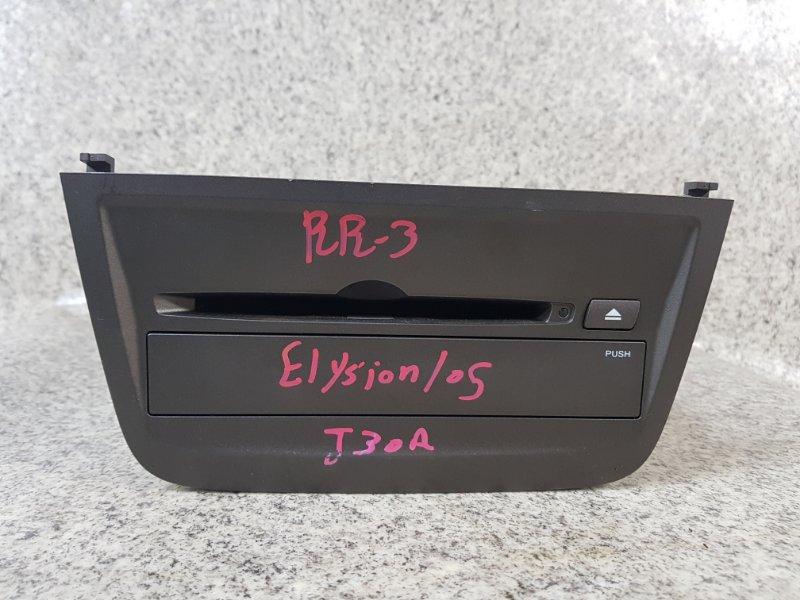 Магнитофон Honda Elysion RR3 J30A 2005