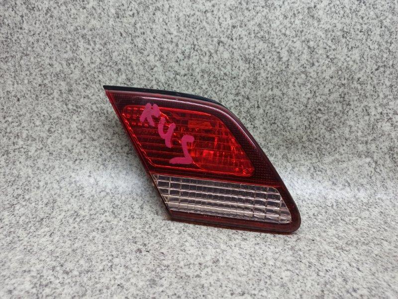Вставка между стопов Toyota Cresta GX100 задняя левая