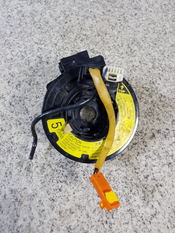 Шлейф-лента air bag Toyota Voxy AZR60