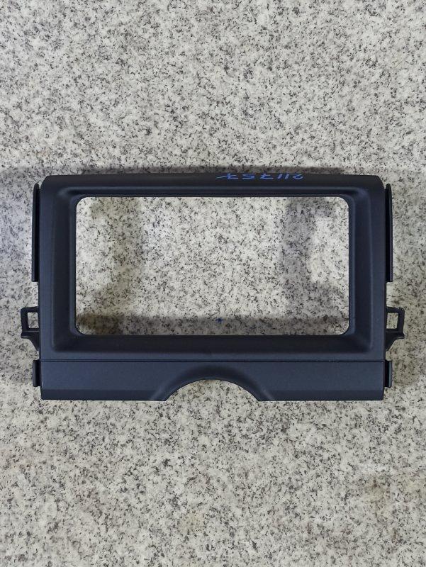 Консоль магнитофона Toyota Mark X GRX130