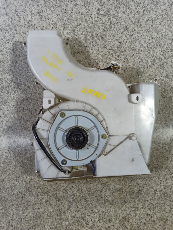 Печка Mitsubishi Pajero V75W задняя