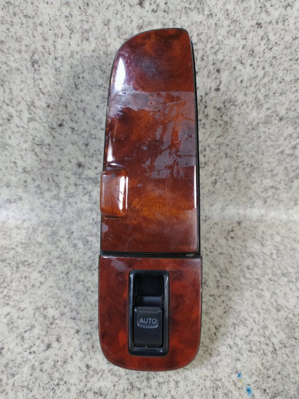 Блок упр. стеклоподьемниками Toyota Celsior UCF20 задний правый