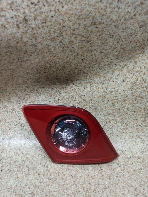 Вставка между стопов Mazda Axela BK5P задняя правая