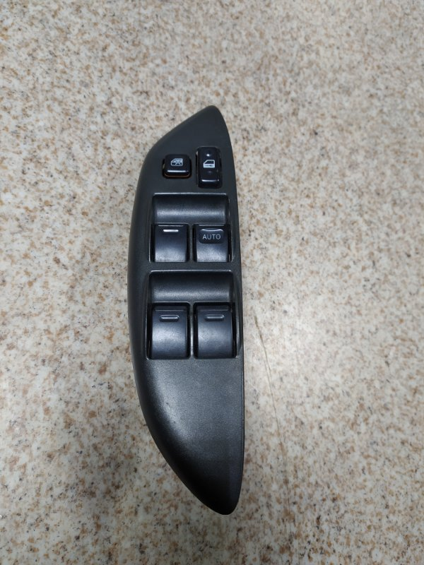 Блок упр. стеклоподьемниками Toyota Vitz SCP10 передний правый