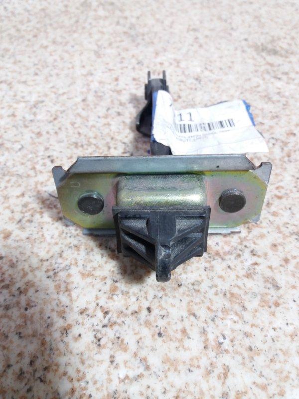 Ограничитель двери Mazda Tribute EPEW передний правый #671871