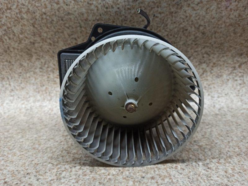 Мотор печки Nissan Laurel HC35