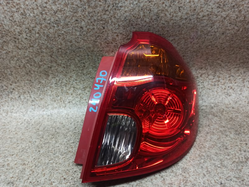 Стоп-сигнал Mazda Verisa DC5R задний правый
