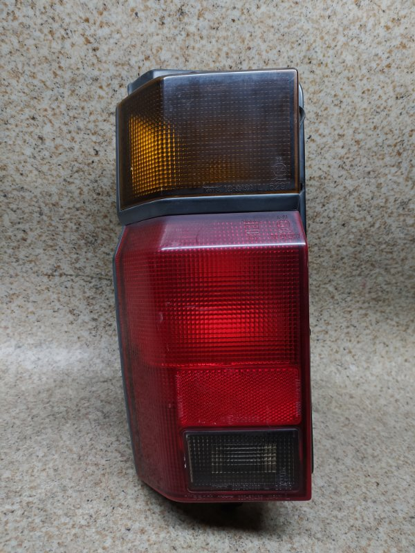 Стоп-сигнал Nissan Largo C22 задний левый