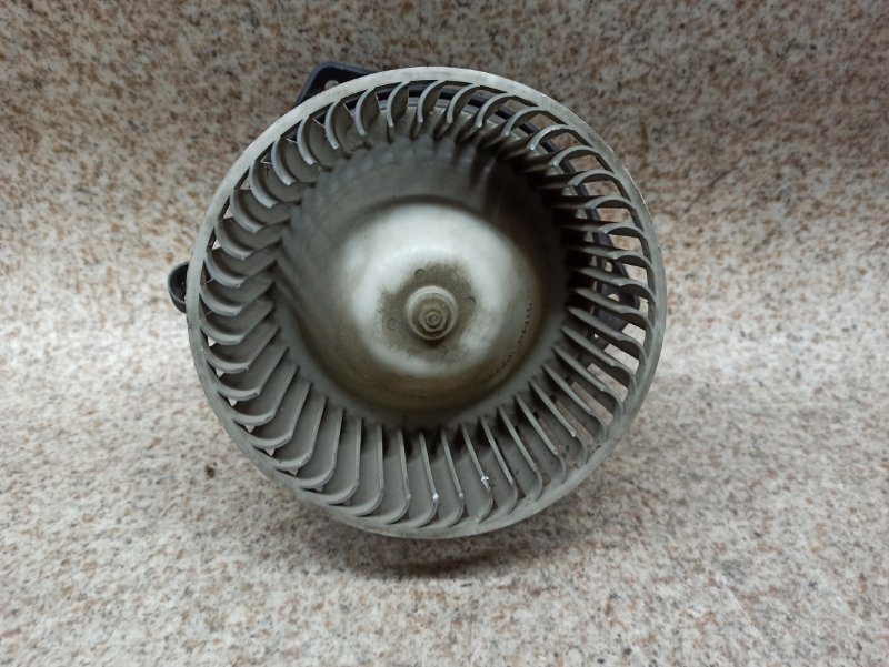 Мотор печки Nissan Atlas F23